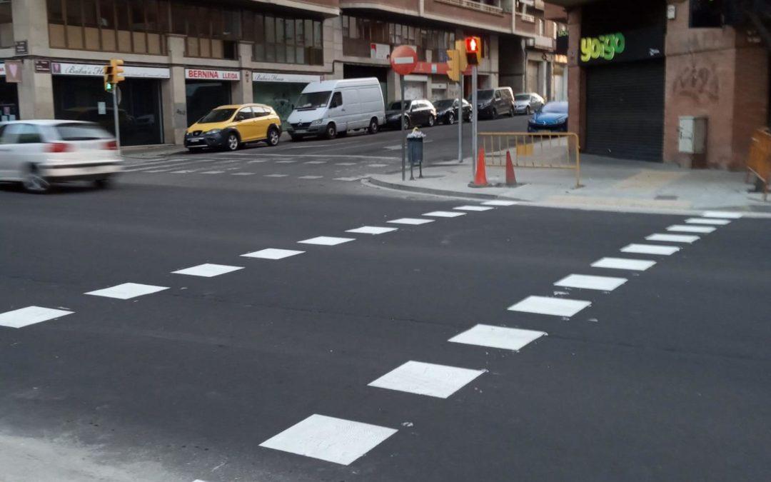 El nou pas de vianants de Príncep de Viana ja està en funcionament